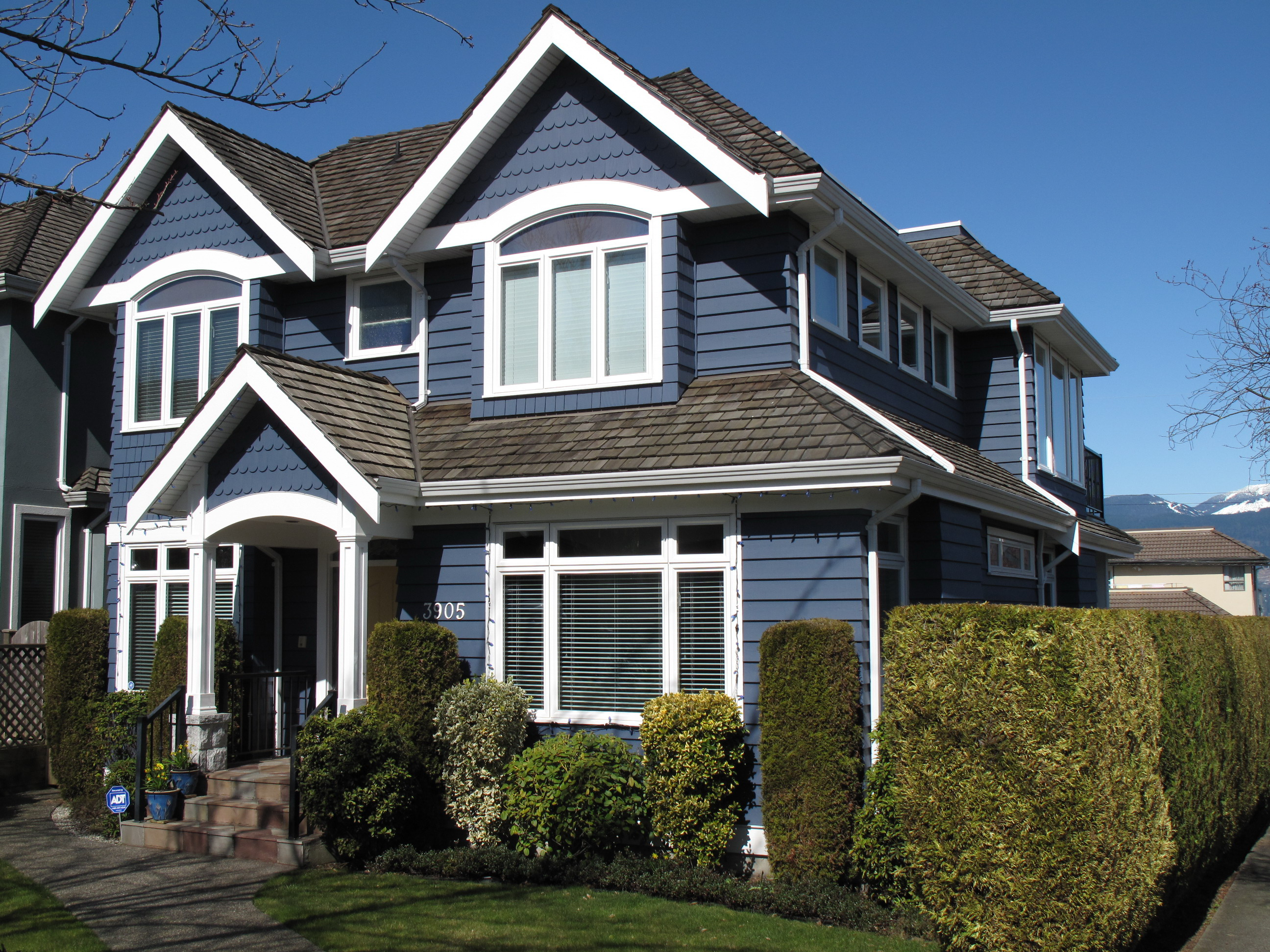 Painting vancouver painter painters house painting for Home painting