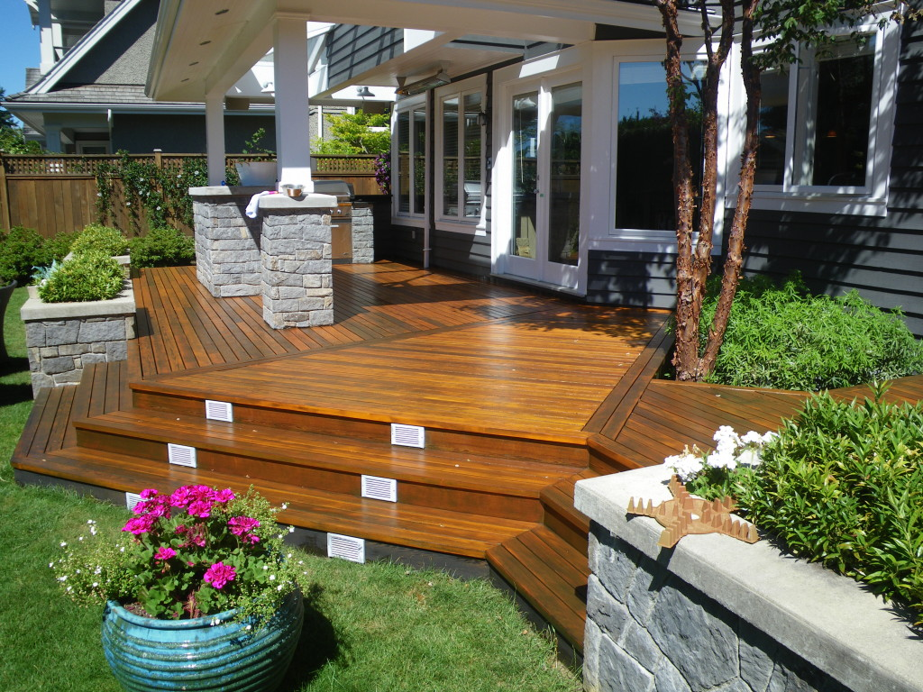 Vancouver Deck Refinishing & Deck Stain